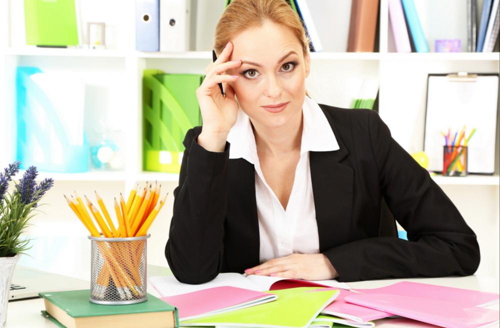 ведь женщины на работе за столом фото таком